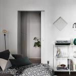 Historiska Hem - appartamento a Stoccolma - angolo divano e portaoggetti