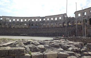 resti degli interni dell'Arena di Pola