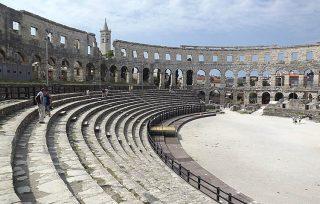 Gradinate ancora ben conservate dell'Arena di Pola