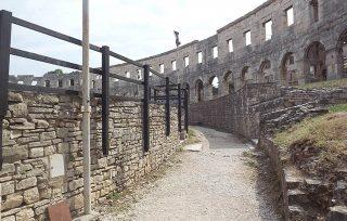 Arena di Pola: passaggio dietro le gradinate