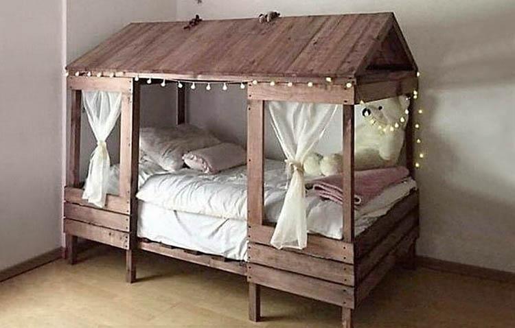 letti in pallet - con tetto in legno