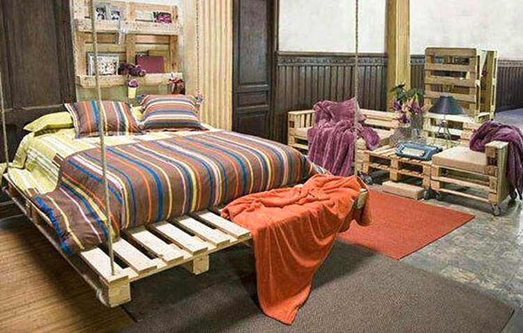 Letto A Soffitto Matrimoniale Design.Letti In Pallet Scopri 30 Esempi Per Realizzarlo Facilmente A Casa Tua