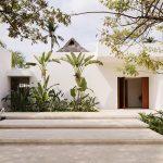 casa TM in Messico - scalinata nel retrodella casa che porta al giardino