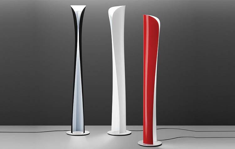 lampada Cadmo nei tre colori, rosso, nero e bianco