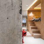 10° House-zona-notte-colonna-cemento-grezzo