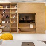 10° House-libreria-nel-soggiorno-della-casa