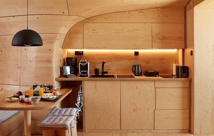 cucina in compensato di legno