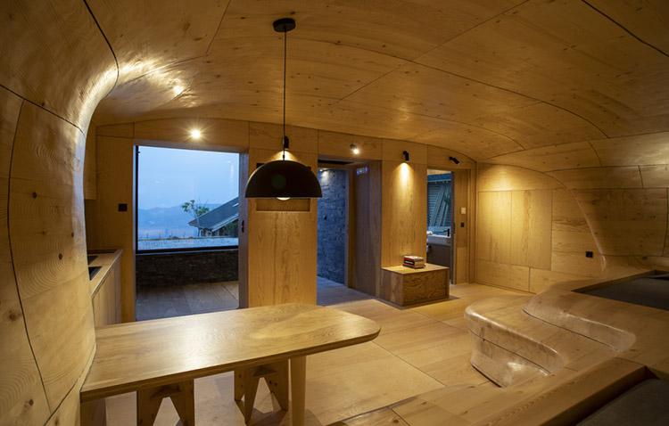 wooden cave - vista verso esterno