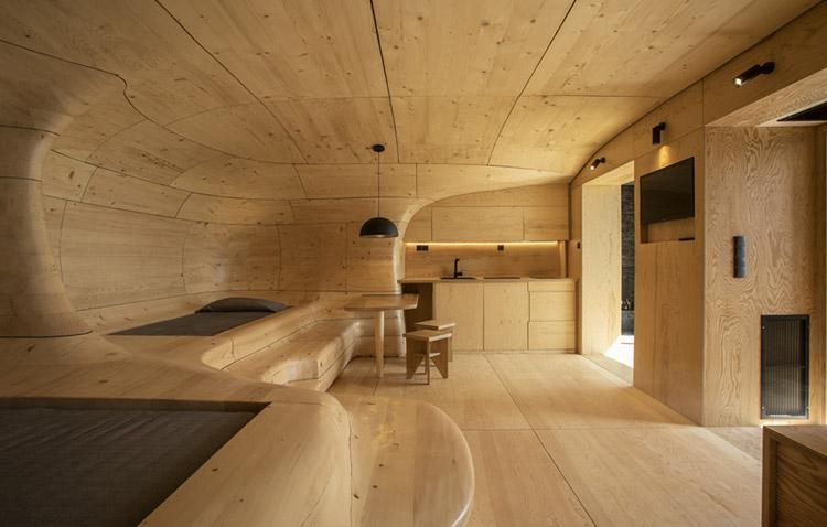 wooden cave - una grotta scavata nel legno